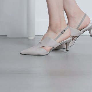 V-port side digging minimalist low heel sandals gray
