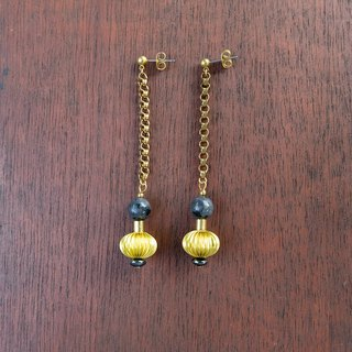 Brass ball and gray stone Brass chain earrings (code : che005)