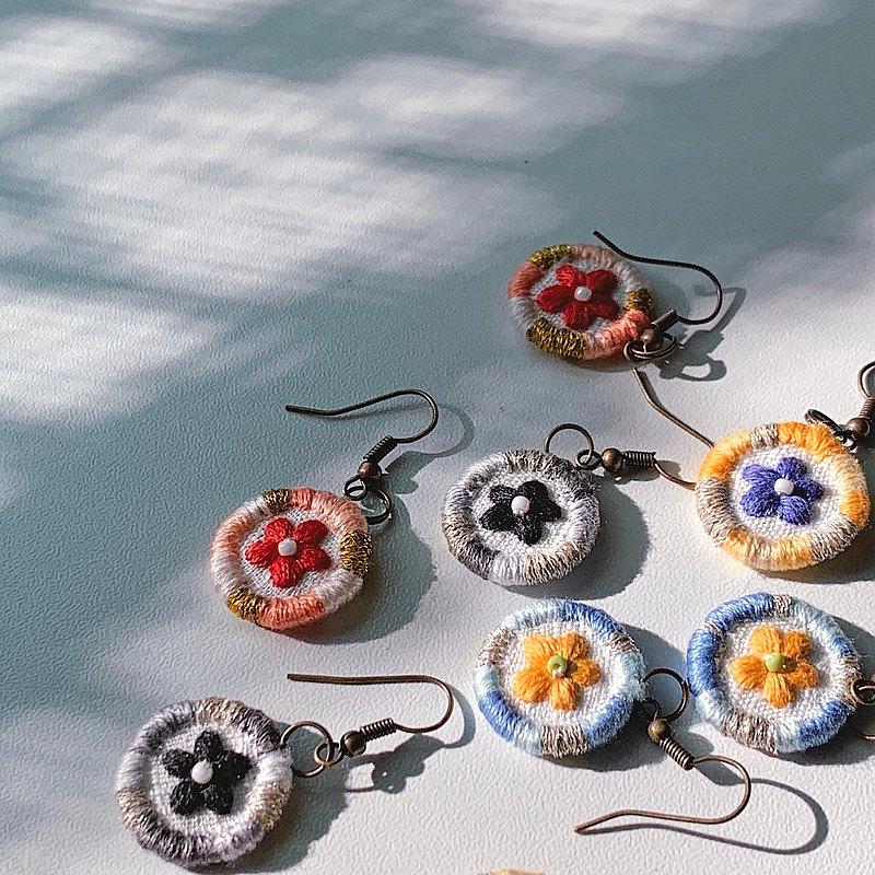 野花 手工刺繡耳環