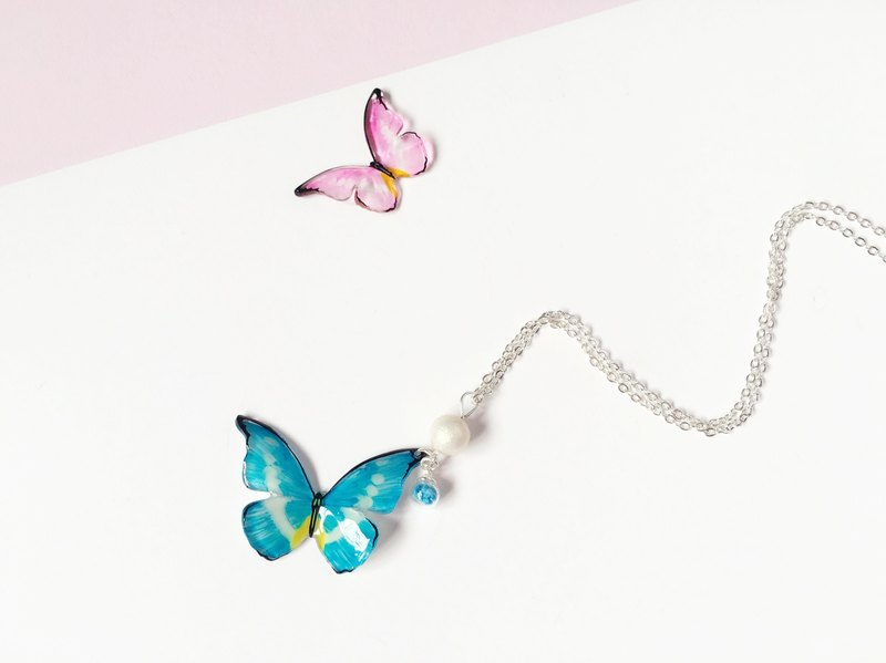 * Haku‧Neko * Luminous ice blue hand painted butterfly bright glass ball cotton bead necklace