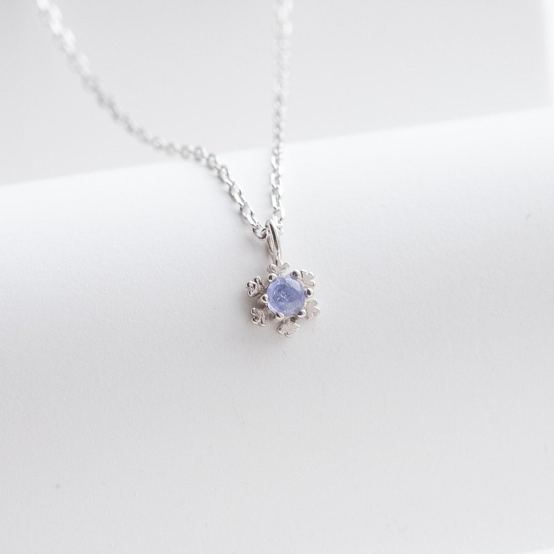 Tanzanite 925 Sterling Silver Snowflake Necklace