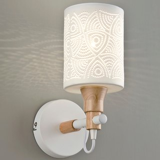 Light-transmissive ceramic wall lamp