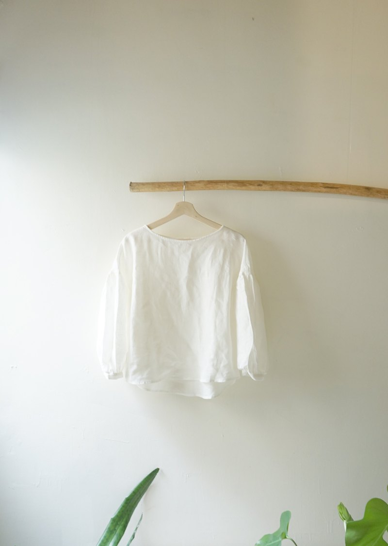 Replenishment to Heart Flower Series-Comfortable Linen Fabric Simple White Puffing Sleeve Top