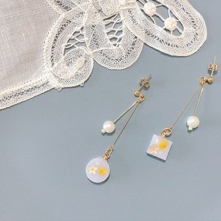 Autumn Story Series - Flower Time Hand Dry Flower Embossed Draping Elegant Ear Pin/Aurture