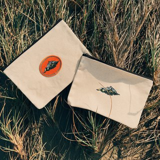 Island embroidery zipper pouch