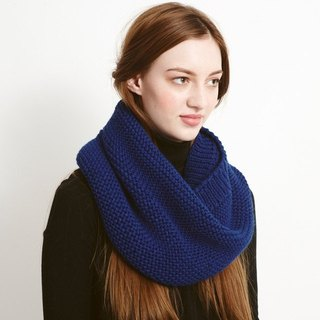 NAVY STOCKING STITCH SNOOD