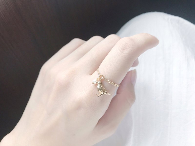 :: Classical Chain Rings :: Mini Pearl Gold Sparrow Chain Ring