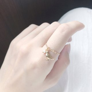 ::Classic Chain Ring :: Mini Pearl Golden Finch Chain Ring