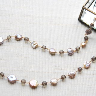 Mauve pink pearl and the Czech beaded necklace (gray)