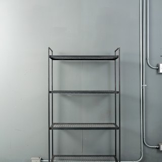 Four layers of iron net shelves