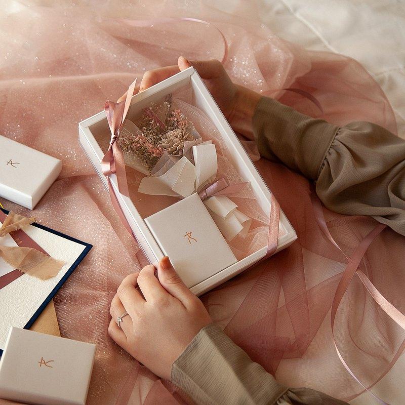 裸粉玫瑰乾燥花禮盒組 | 限定。純銀飾品。乾燥花。情人節。禮物
