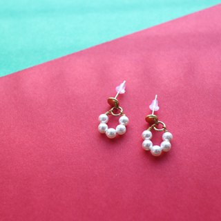 Sweet bubbles-Pearl brass earrings