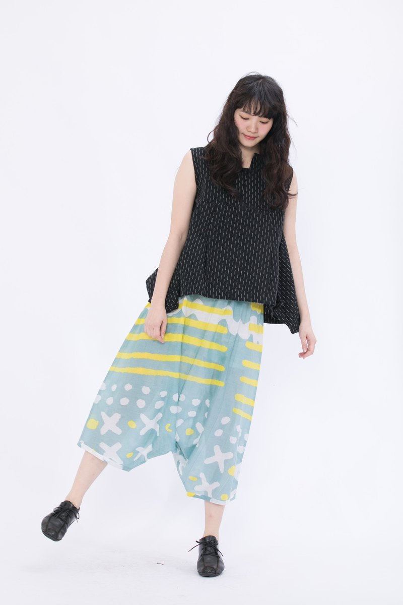Summer beach squirrel pants _ fair trade