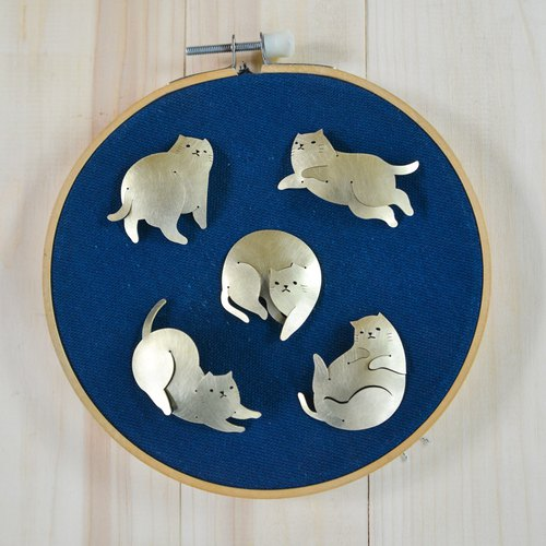 Fat Cat brass brooches