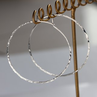 SV935(Argentium)- texture shine hoop pierced earrings 不能改耳夾