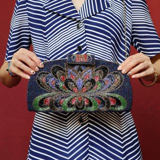 Pumpkin Vintage. Antique handmade peacock opening embroidery shoulder bag