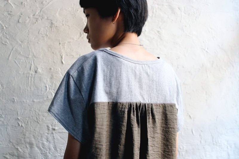 OMAKE omiso Tops Short Sleeve Hem Striped Top Twist Grey. Army Green