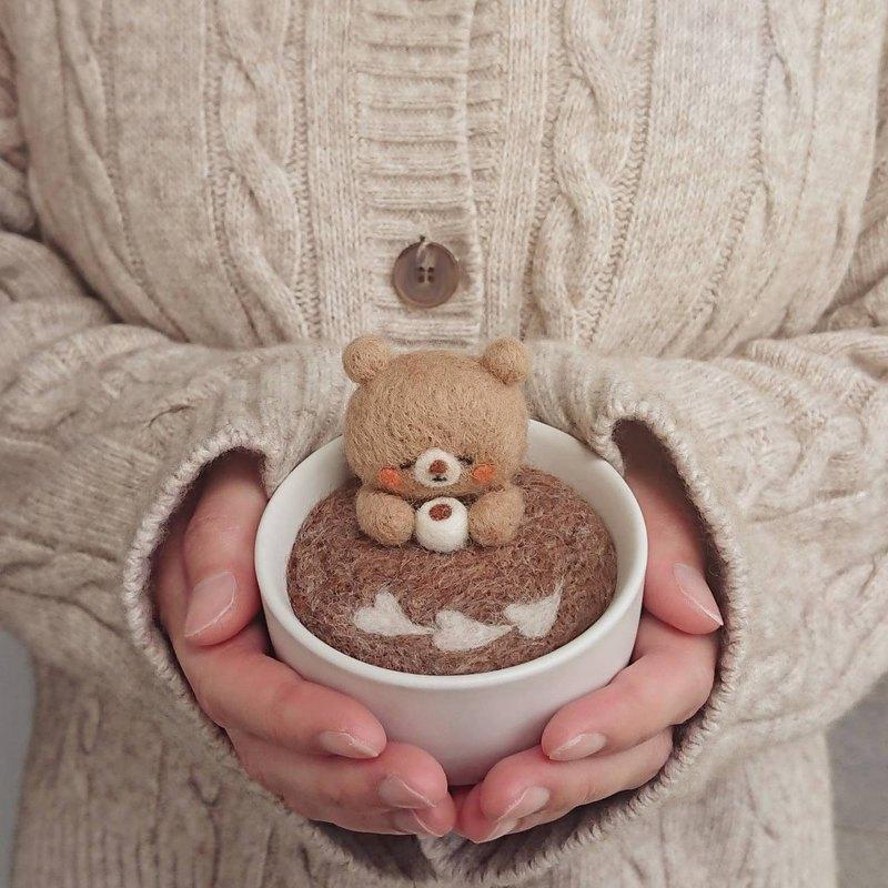 Handsaid【咖啡熊】手工羊毛氈針插 擺飾 療癒小物 便利貼座