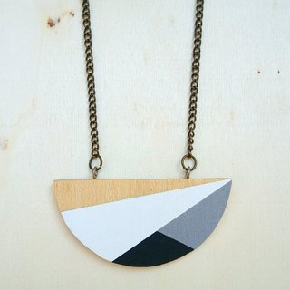 Wooden Round Necklace Ra.01