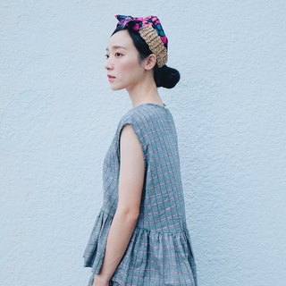 Dark gray woven cotton and linen lotus leaf top