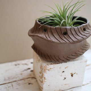 The third floor hand made pottery wave coffee flower pot meat planter