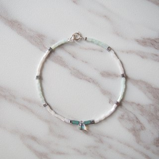 Drops of glass • Mint green and white tube beads • Bracelets • Gifts