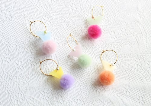 Pompon Flag Earrings