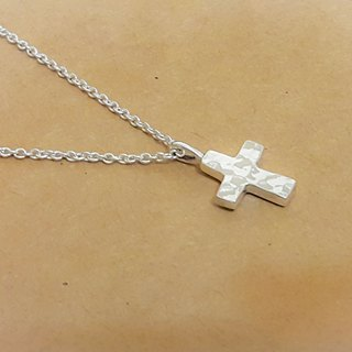 Silver Cross Necklace - Hand knock forging texture (two-worn - the pros and cons of different textures) / clavicle chain / bracelet / gift / Valentine's Day / Memorial Day