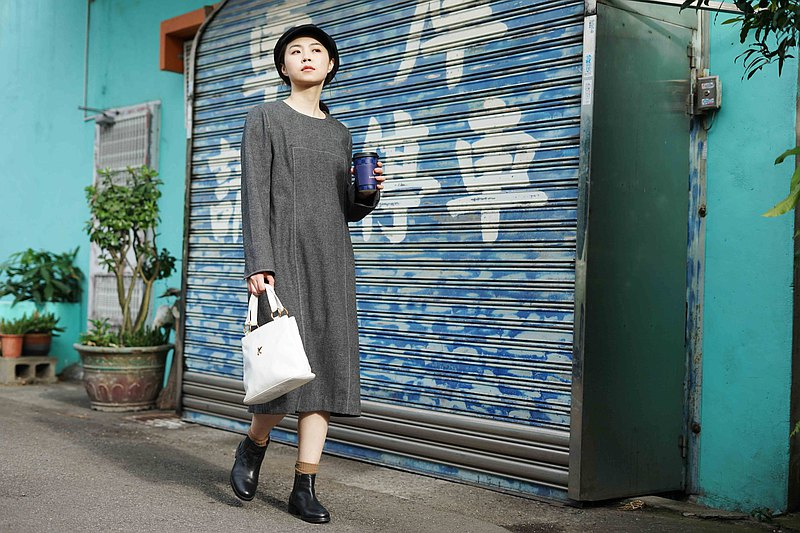 Treasure Hunting Vintage-Italy's neat and simple tailoring warm gray woolen dress