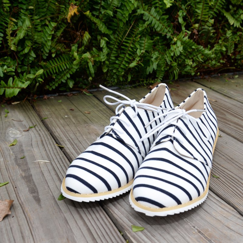 Stripes laced up | cotton from Japan | Leather | White Shoe