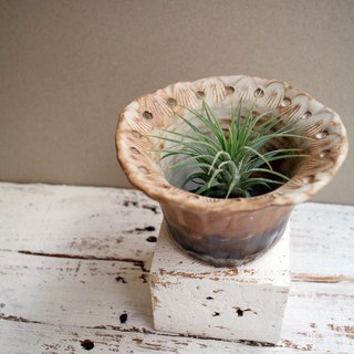 Third floor hand made pottery lace flower pot meat pot