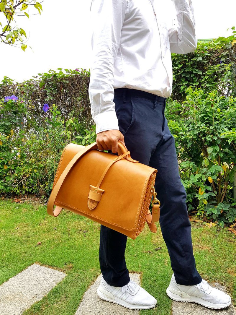 Minimalist vegetable tanned leather three-layer briefcase shoulder bag leather handmade bag
