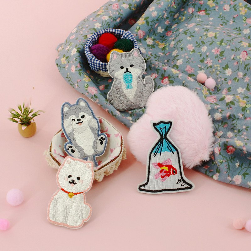 Goody Bag set of 4pcs Mister fatty cat embroidery pins/Badge/DIY embroidery