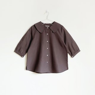 cat paws collar blouse : charcoal brown
