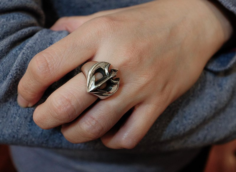 Streamlined Spades Shooter Ring 925 Sterling Silver