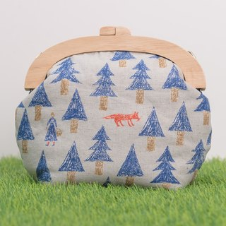 Forest in the fairy tale (blue) / wooden mouth package / retro oblique backpack / carry bag (small)