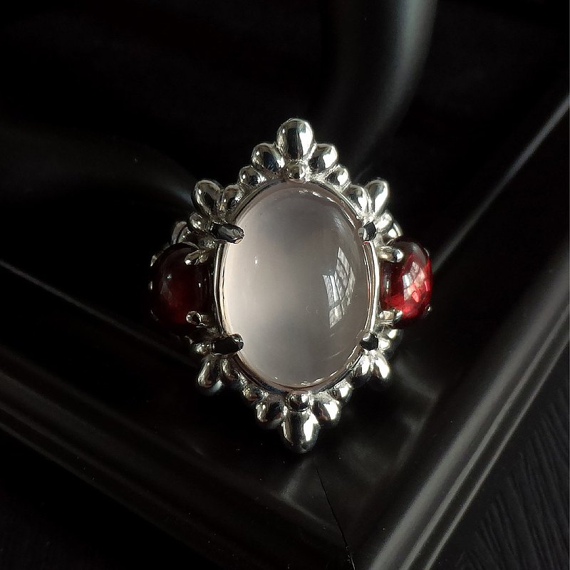 Rose Quartz and Garnet Gold Plated Sterling Silver 925 Designer Ring