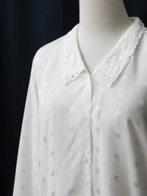 [RE0310T1869] Nippon white vintage lace collar plaid shirt