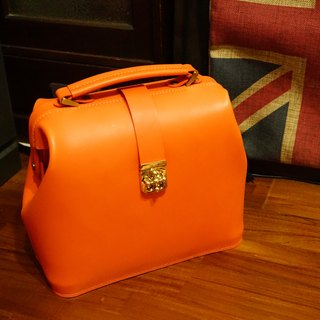 Guillaume Retro doctor bag attached small hatchback with handmade Italian vegetable tanned leather