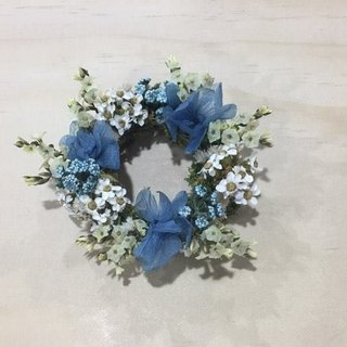 Random miniature flower wreath