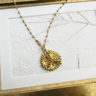 *Coucoubird*brass daisy necklace