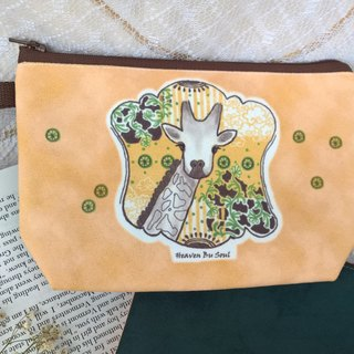 <Animals in the Secret Land> Giraffes are always dreaming Clutch / Pouch
