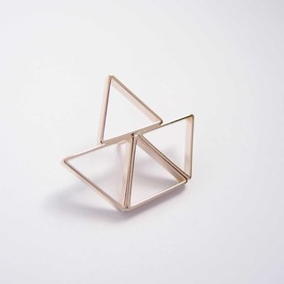 Boat metal brooch