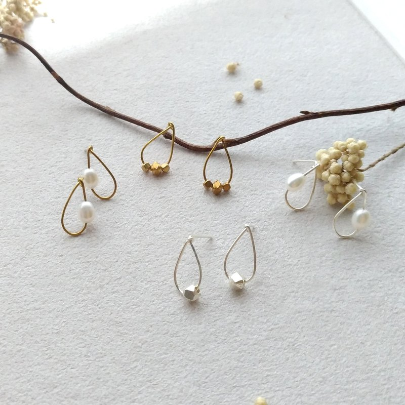 E019-small moments - sterling silver / brass earrings