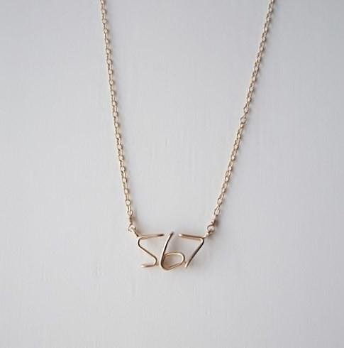 Hand writing number (number) 3 digits necklace