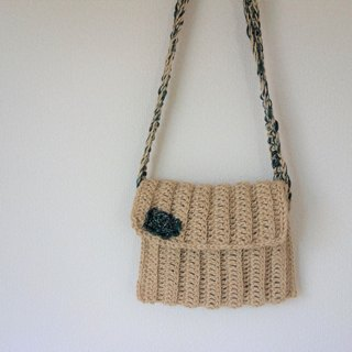 yuoworks / shoulder bag / for girl / made of jute yarn / handknit
