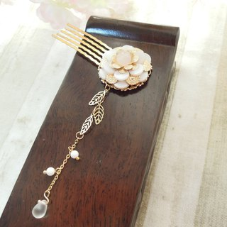 Closure Cloud Club - Snow Camellia Classic Chinese style hair comb hairpin