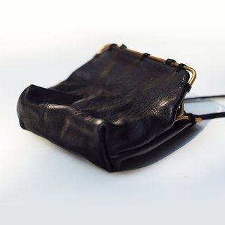 【Nong】 handmade leather goods / first layer of vegetable tanning calfskin / hand-made brass / mouth gold package / key bag / necklace package / coin coin bag