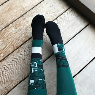 socks_pine_forest / irregular / socks / stripes / green / flower
