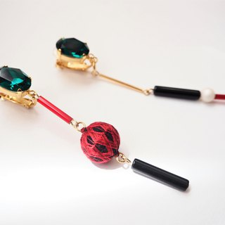 tachibanaya asymmetry Japanese TEMARI earrings Green swarovski Red Black